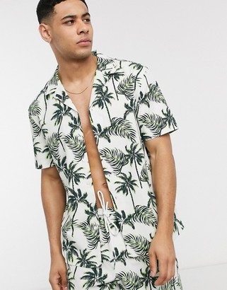 New Look ripstop all over print palm short sleeve shirt in white