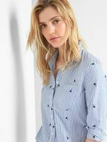 Railroad stripe embroidery fitted boyfriend shirt