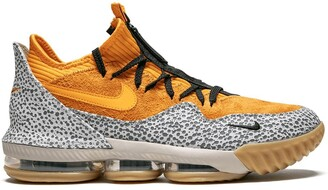 Nike Lebron XVI Low sneakers