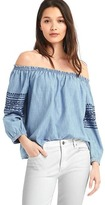 Gap Embroidered off-the-shoulder top