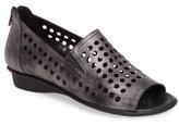 Sesto Meucci Women's Eily Open Toe Flat