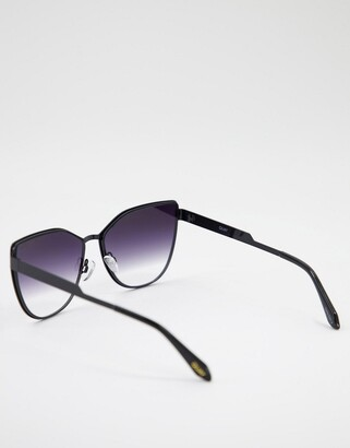 Quay In Pursuit womens cat eye sunglasses in black