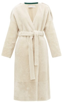 Inès & Marèchal Genie Belted Shearling Coat - Womens - White