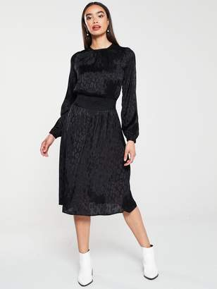Very Shirred Waist Jacquard Midi Dress - Black
