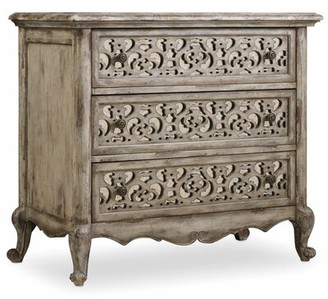 Hooker Furniture Chatelet 3 - Drawer Bachelor's Chest in Distressed Vintage White