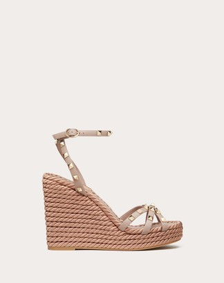Valentino Rockstud Ankle Strap Wedge Sandal In Calfskin Leather 95 Mm Women Poudre 100% Pelle Di Vitello - Bos Taurus 35