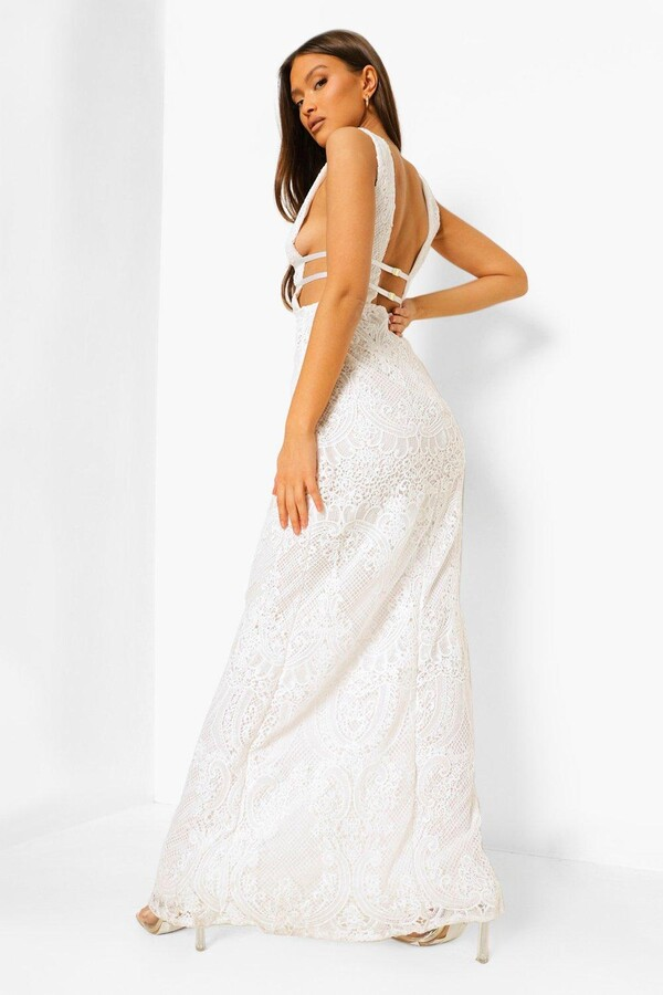 Thumbnail for your product : boohoo Lace Plunge Strappy Maxi Bridemaid Dress