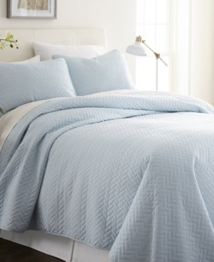 IENJOY HOME Home Collection Premium Ultra Soft Herring Pattern Quilted Coverlet Set, Queen Bedding