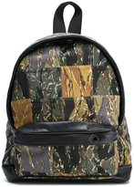 Palm Angels patch camouflage backpack