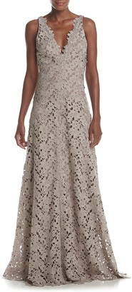 Vera Wang Women's Sleeveless Double V Neck Lace Gown