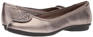 Clarks Gracelin Lola (Pewter Metallic Leather) Women's Shoes