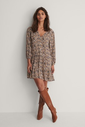 NA-KD Buttoned Flowy V-Neck Dress