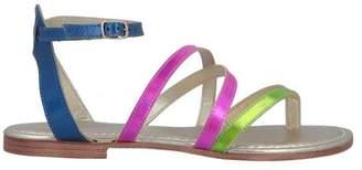 CAFe'NOIR Toe post sandal