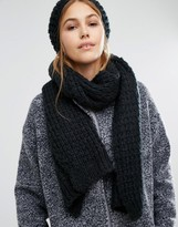 Pieces Knitted Scarf and Beanie Set