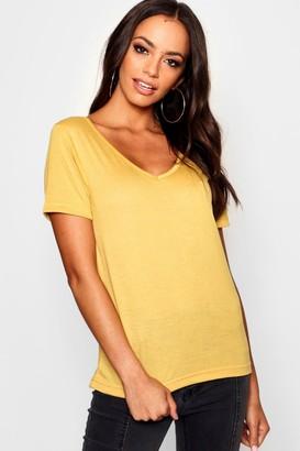 boohoo Basic Super Soft V Neck T-Shirt