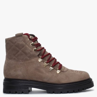 Alba Moda Beige Suede Walking Boots