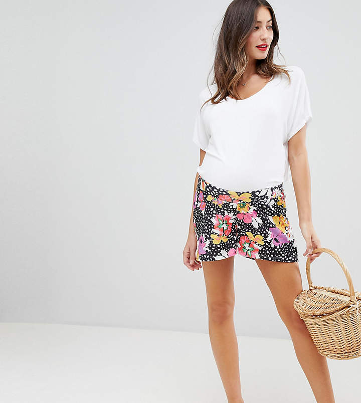 DESIGN Maternity culotte shorts in floral print