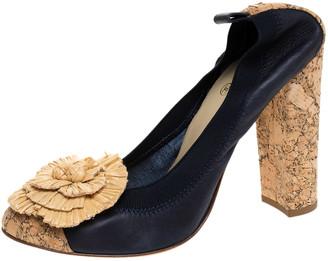 Chanel Dark Blue Leather And Raffia Camellia Scrunch Cork Block Heel Pumps Size 40