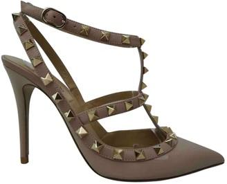 Valentino Rockstud Beige Patent leather Heels
