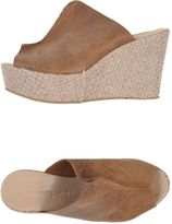 Debut Sandals