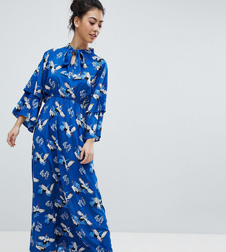 Yumi Petite Frill Sleeve Maxi Dress in Heron Print