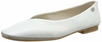 Musse & Cloud Women's Sary Closed Toe Ballet Flats