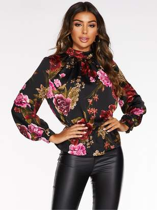 Quiz Satin Floral High Neck Peplum Top