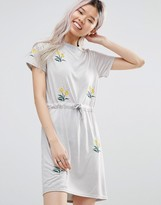 Daisy Street T-Shirt Dress With Floral Embroidery