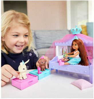 Barbie Princess Adventure -Chelsea Princess Playset