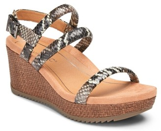 Vionic Kora Wedge Sandal