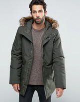 The North Face Zaneck Insulated Parka In Green
