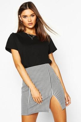 boohoo Large Dogtooth Front Split Mini Skirt