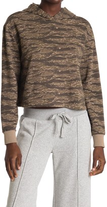 Alternative Camo Print Cropped Pullover Hoodie
