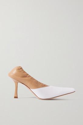 A.W.A.K.E. Mode Gertrud Two-tone Leather Pumps - White