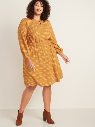 Old Navy Waist-Defined Plus-Size Keyhole Dress
