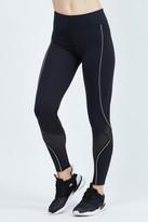 925 Fit Close Squarters Legging