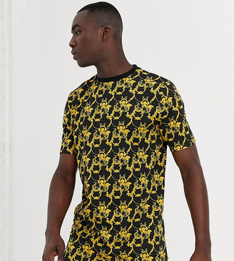 Duke tall t-shirt with baroque print and curved hem in black