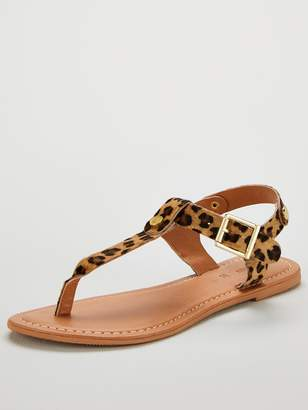 Very Heaven Animal Print Leather Toe Post Sandals - Leopard