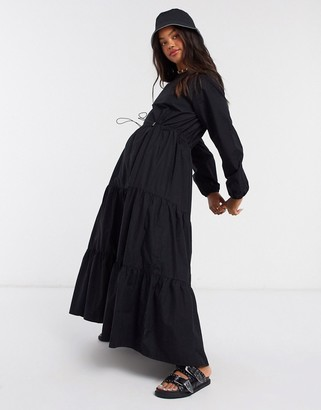 Monki Florentina poplin trapeze maxi dress with draw cord in black