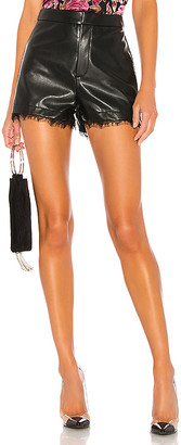 superdown Lisa Hot Short