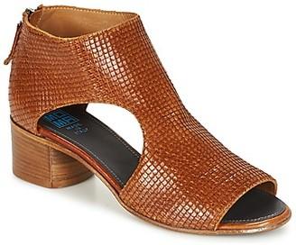 Moma JOBADA women's Sandals in Brown