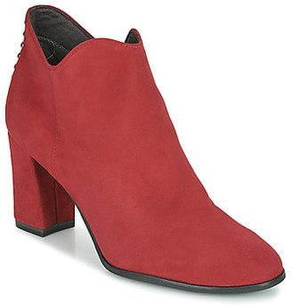 Tamaris ESMERALDA women's Low Ankle Boots in Red
