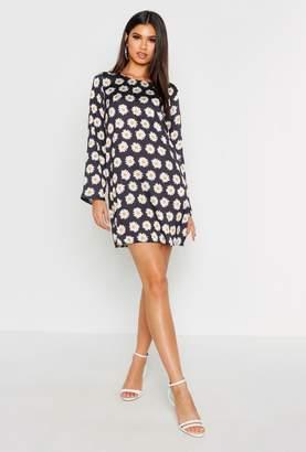boohoo Woven Daisy Print Shift Dress