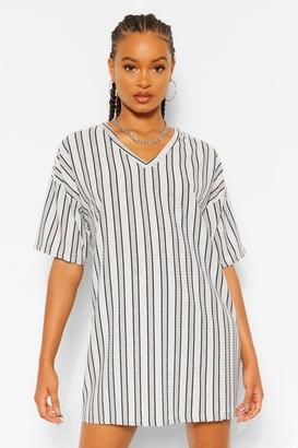 boohoo Stripe Rib V Neck Shift Dress