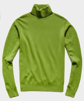 Todd Snyder Cashmere Turtleneck in Army Green