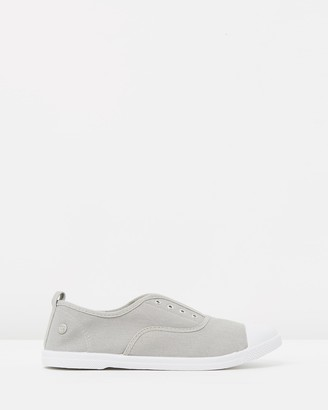 Walnut Melbourne Euro Canvas Plimsole Sneakers