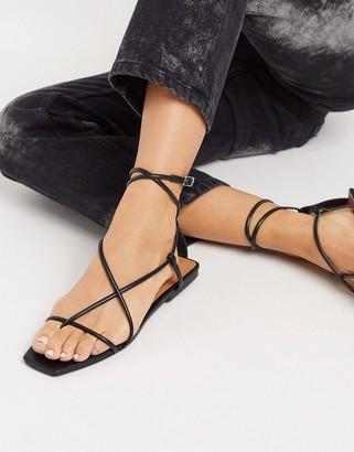 Who What Wear Zander strappy square toe sandals in black
