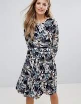 Yumi Wild Floral Print Dress