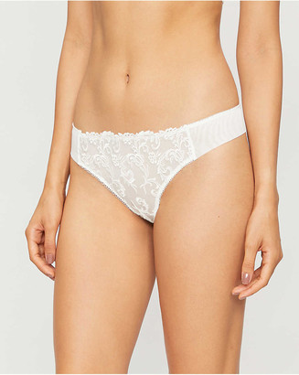 Wacoal Decadence mid-rise embroidered-mesh thong