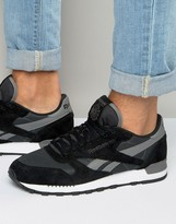 Reebok Classic Leather Clip Trainers In Black Aq9794